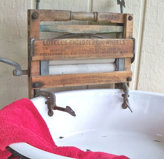Vintage Anchor Brand Laundry - Clothes Wringer