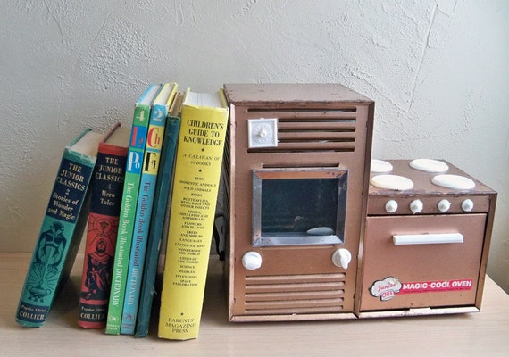 "1960's Toy ARGO Junior Chef Magic-Cool Oven ""Pre-Dates the Famous Easy-Bake Oven"""