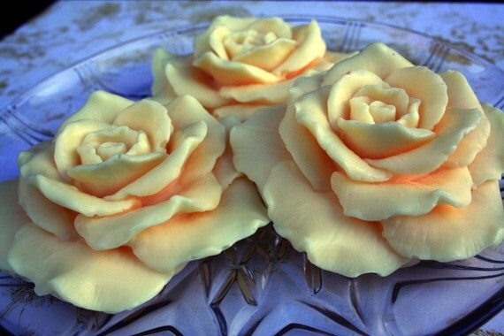 Tulip scent,  Rose shaped, Three Piece Set
