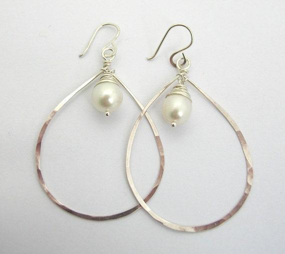 Pearl Hammered Teardrop Hoop Earrings