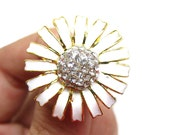 5 Daisy Enamel Rhinestone buttons - White colour for Wedding Bridemaid Hair Accessories Scrapbooking RB-043 (28mm or 1.1 inch)