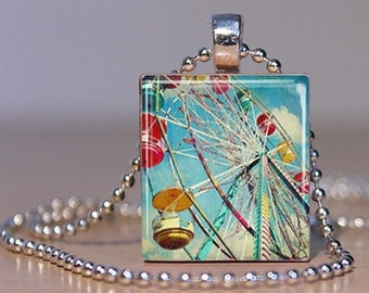 Vintage Colorful Ferris Wheel Photo Pendant made from an Upcycled Scrabble Tile (252A6)
