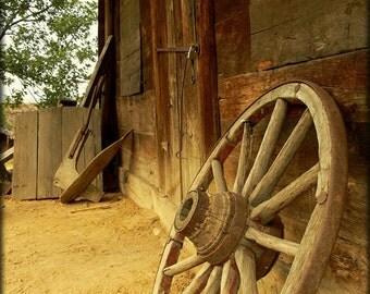 Old cart wheel 7x5 fine art photo print, rustic, farmyard