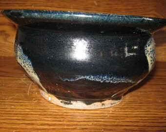Black with splashes S-Shaped bowl