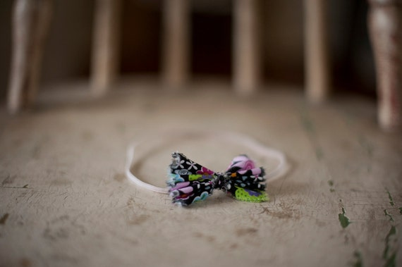 Black multi-colored fabric bow headband