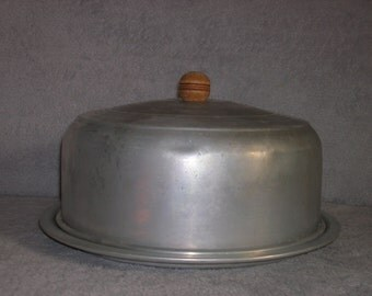 Vintage aluminum cake carrier or saver
