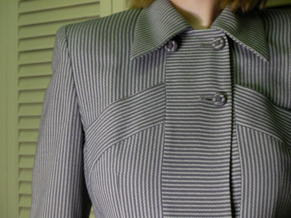 REDUCED 1940's woman's suit, Jacket and skirt, Amazing condition, size XS-S