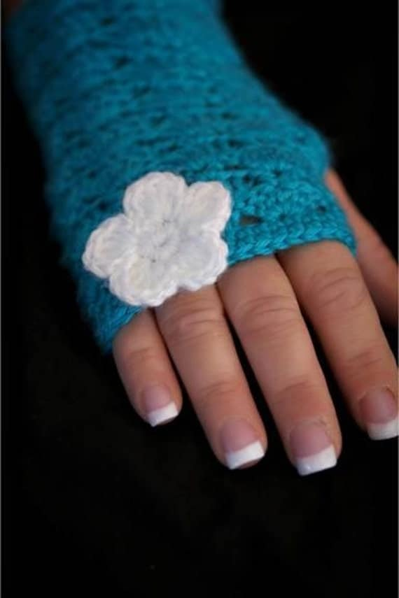 Lacy Fingerless Gloves in Turquoise Blue
