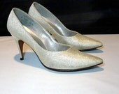 Vintage 1950s Shoes / Silver 50s pumps / Marylin Monroe / 7 8