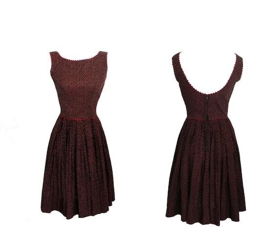 SALE 1950s Dress / 50s Dress / Red Black Floral