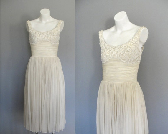 Vintage 1950s Dress / 50s Dress / Cocktail Prom Dress / White Creme