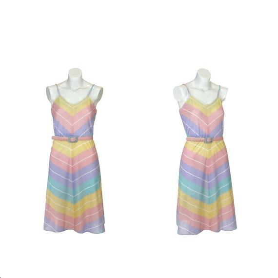 Vintage 1970s Dress / 70s Dress / Chevron Stripes