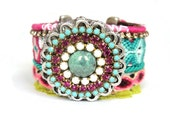 Friendship bracelet in bohemian hippie style - Hot pink and turquoise with sparkling Swarovski rhinestones