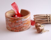Cuff bracelet and earrings set - in beige, red color with black and redprinting