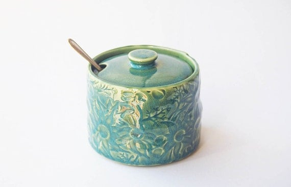 Green pottery sugar jar / bowl with vintage Australian Flannel Flower design
