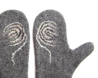 Felted mittens / grey / white / mist / flower / graceful