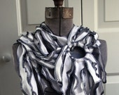 Draped jersey scarf - white ruffles with black edge stitching