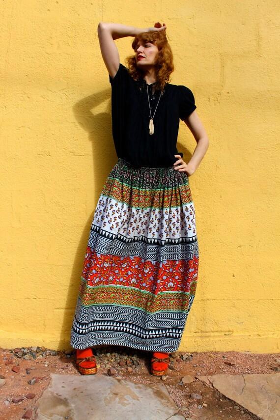 Vintage 1970's Indian Cotton GYPSY BOHO Skirt (MEDIUM)