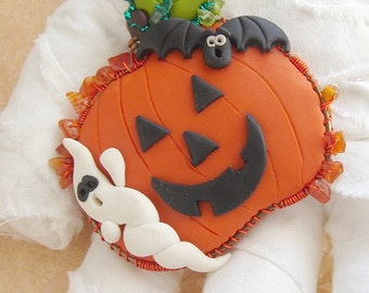 Pumpkin brooch 1 with Ghost and Bat by Marie Segal