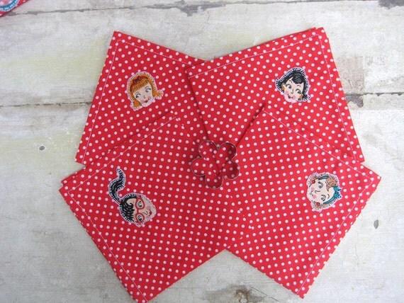 Retro 50s Housewife Tablecloth & Napkin Set