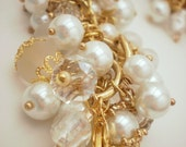 Gorgeous gold & pearl cluster bracelet