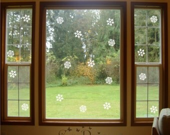 "3.5"" Snowflakes Vinyl Decals Pack of 18"