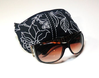 Eyeglasses Case in Black and White Floral, Black Ribbon, White Saddle Stitch, Zipper Closure