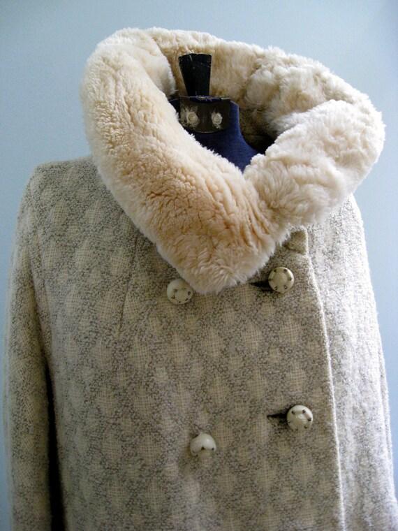 Beautiful 1950's Andre Bordeaux Cream Wool Coat