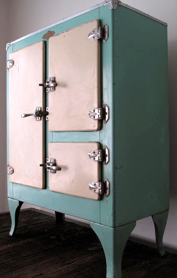 Vintage 1930s Ivory/Teal Ice Box