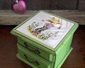 Sweet Trinket / Jewelry Box in Shabby Green Apple