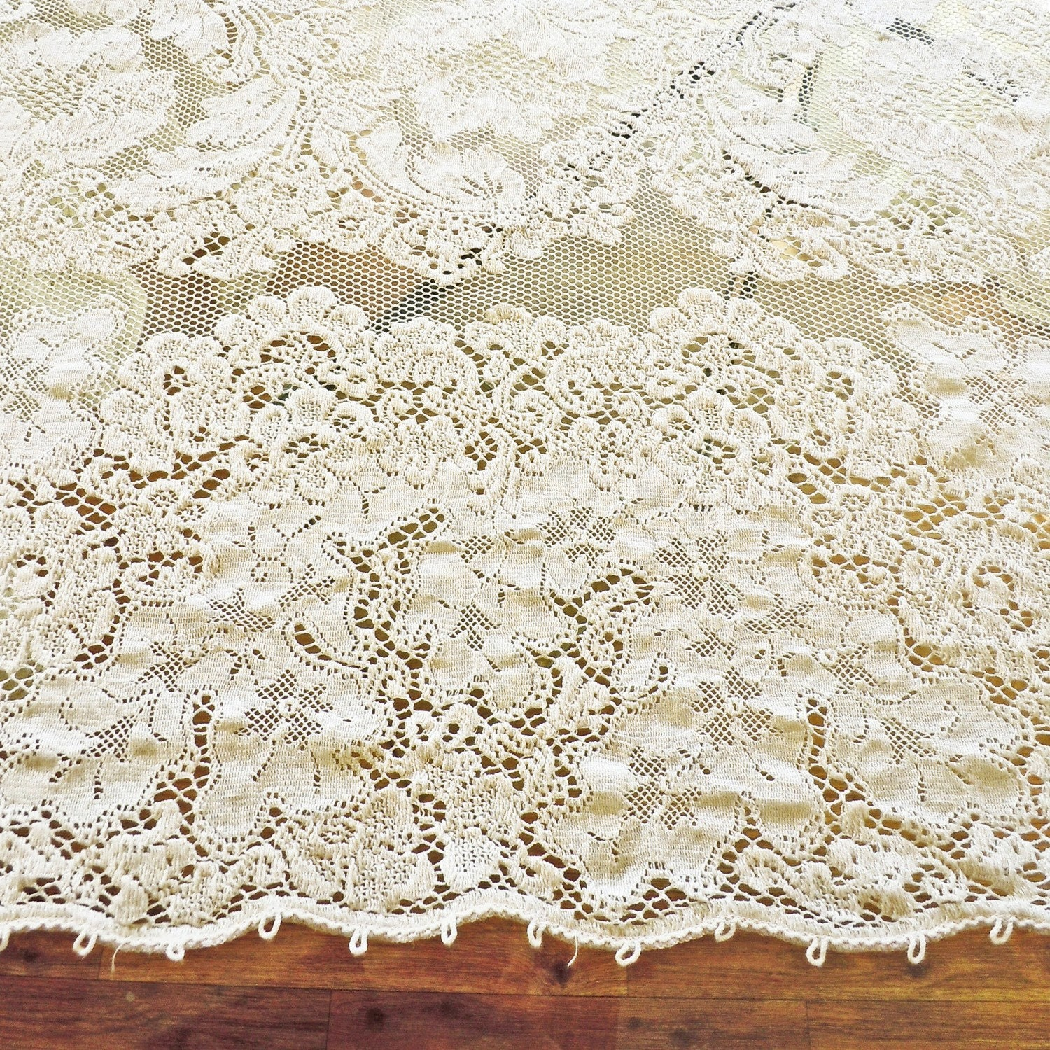 Vintage 1940s Quaker Lace Ecru Dinner Cloth Style By
