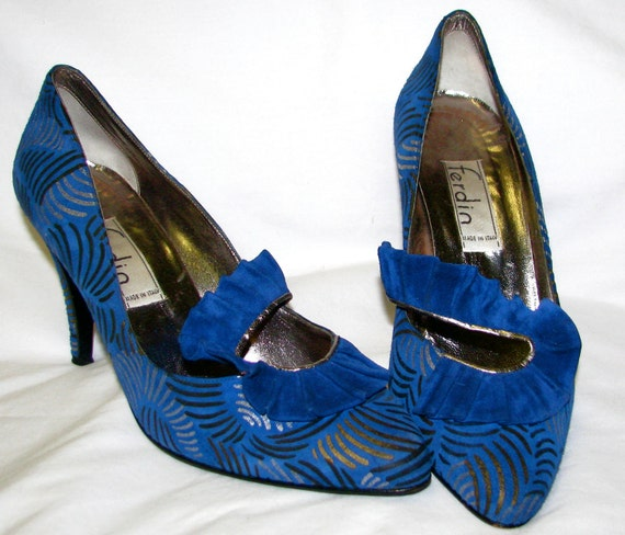 Vintage 1980s BLUE Suede Shoes HEELS made in Italy