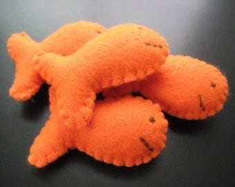 Goldfish - The Snack that Smiles Back - Felt Play Food - with Muslin Carrying bag