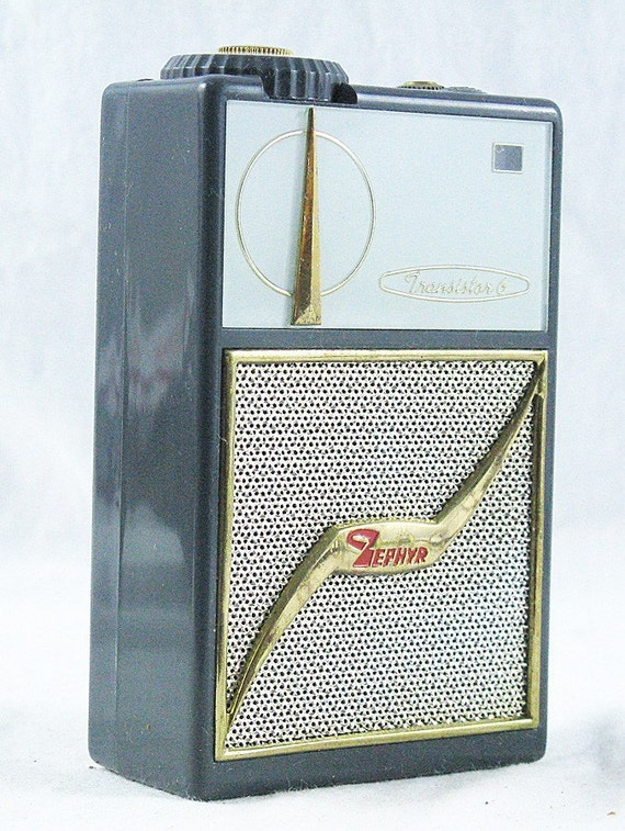 Vintage Zephyr AR-600 AM Transistor Radio Japan