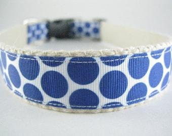 Hemp dog collar - Blue Dots on White