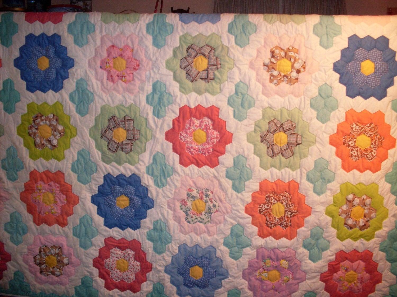 Grandmothers Flower Garden Quilt 83x86 By Oldfashionedquilts
