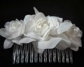 Bridal Hair Comb with WHITE Roses with Swarovski Pearls, Bridal Hairpiece, Wedding Hairpiece, weddinf Flower, Bridal Hair Flower