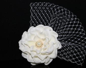 Light Ivory Gardenia with Swarovski Pearls With Russina Netting BRIDAL Hair Flower Bobby Pin, Wedding Flower Headpiece, Bridal Flower Clip