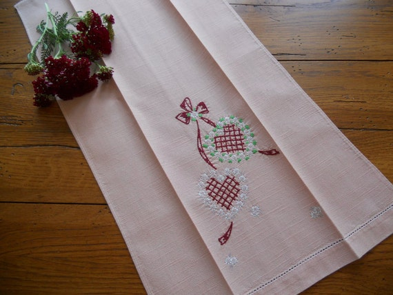 Vintage Hand Embroidered Linen Hand Or Tea Towel