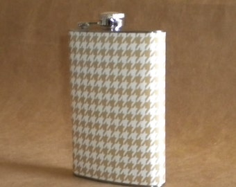 Taupe and White Houndstooth Stainless Steel Hip Flask 8 Ounces