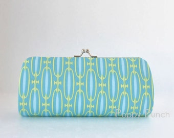 Endless Chain in  Teal..Small Clutch Purse