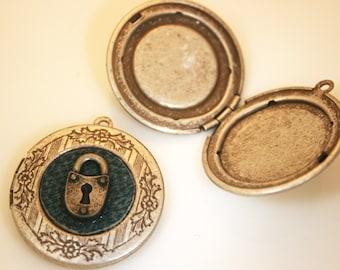 2cs- Vintage Style Antique Silver Locket Picture Pendant(A400)