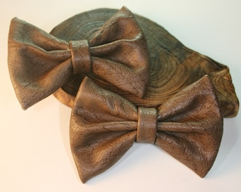 2Pcs-80mmX55mm Snake Skin Style Leather Ribbon Bow 6Colors(C513Brown)
