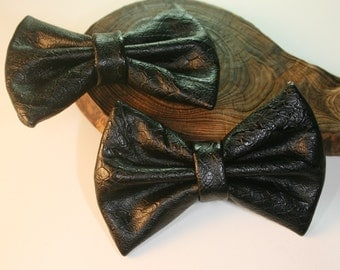 2Pcs-80mmX55mm Snake Skin Style Leather Ribbon Bow 6Colors(C513Black)