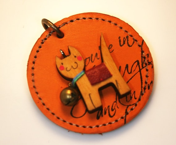 1Pcs-53mm Cutie Wood Dog on Round Leather Pendant For Jewelry,Accessory,Art deco,etc.(A406)