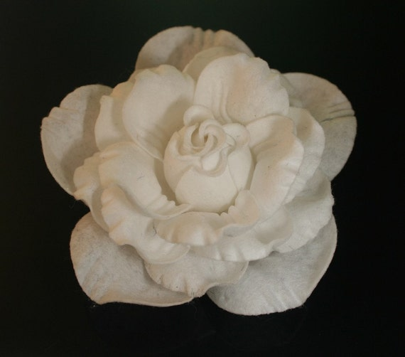 4pcs-70mm 6Colors Hard Felt Roses Flower for corsage,shoes,accessory etc.(F247-Ivory)