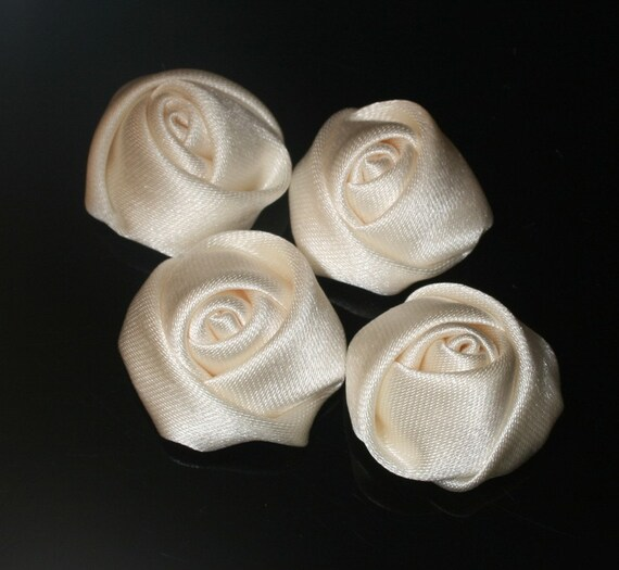 20Pcs-25mm 7Colors Small Satin Roses(F201 -Ivory)