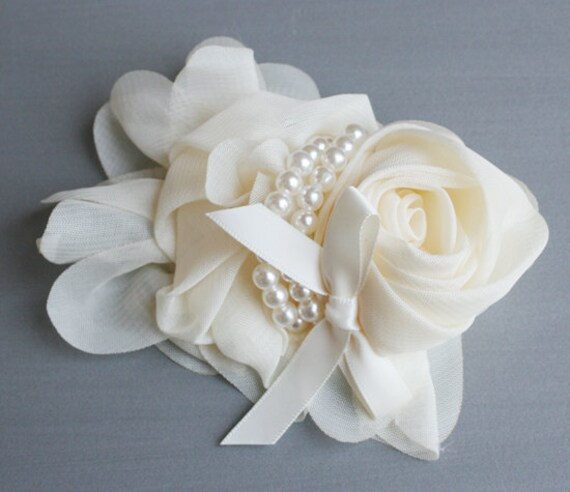 1pcs-115mm Chiffon Flower With Pearl for corsage,shoes,accessory etc.-Ivory(F210)