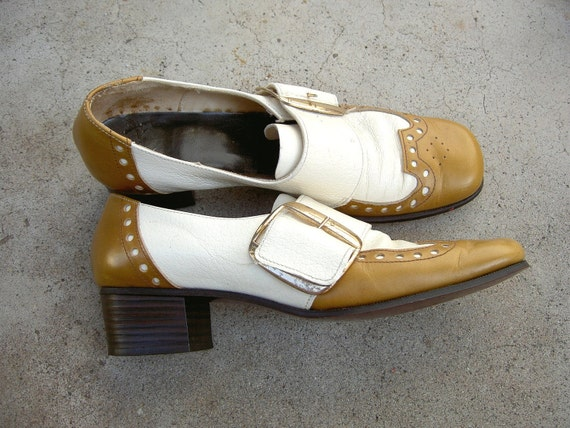 sale / Vintage Leather Oxfords