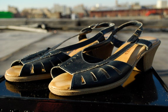 Ladies Navy Slingback Sandals